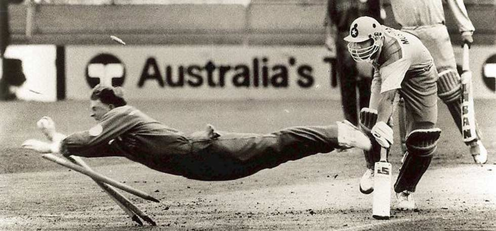 Jonty Rhodes dive cricket